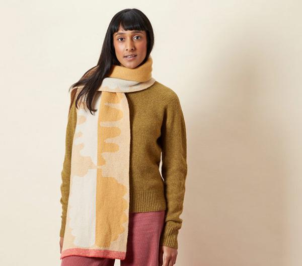 100% lambswool harvest fern pattern wide scarf