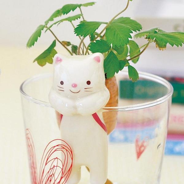 Cat self-watering planter