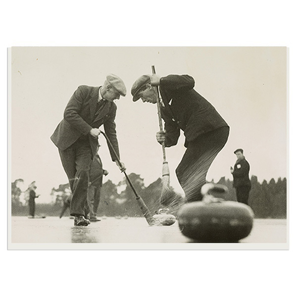 Strathmore curlers defeat the thaw greeting card
