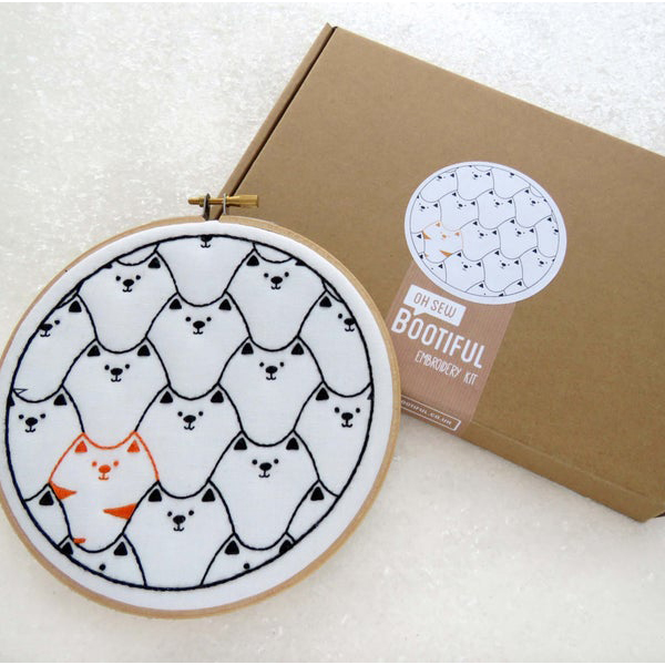 Cats hand embroidery kit