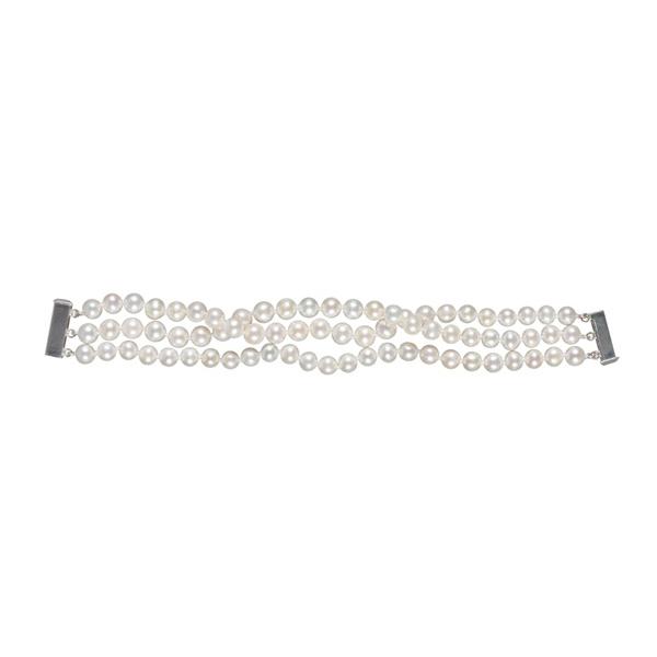 White pearl three strand bracelet