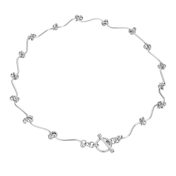 Flexible knot silver necklace