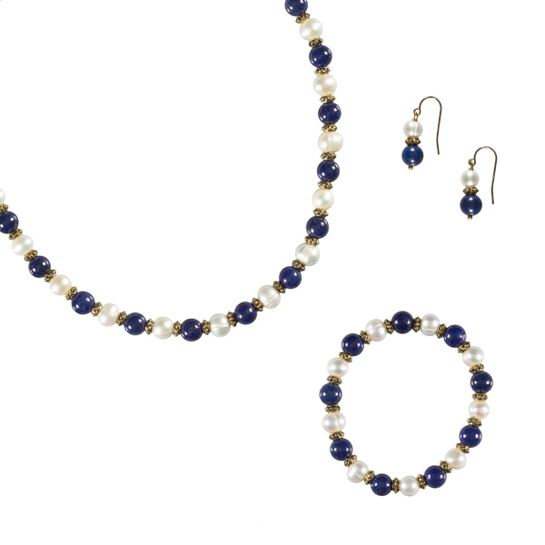 White pearl and lapis lazuli bead bracelet