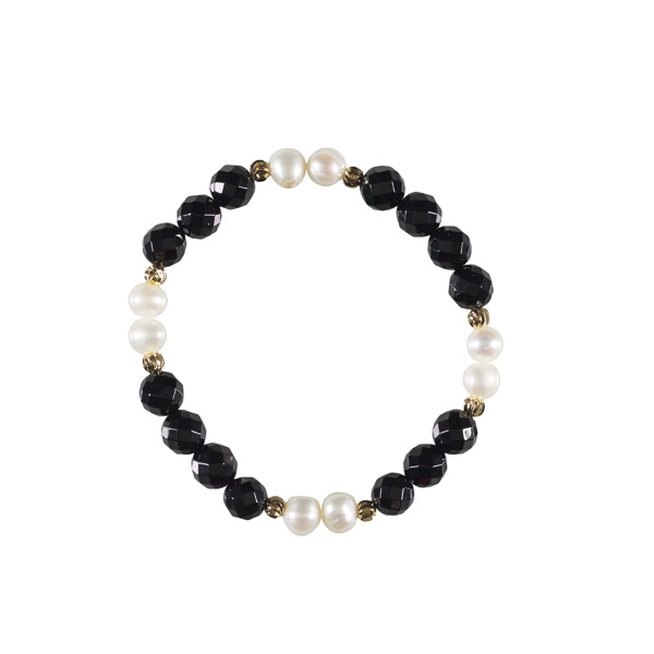 White pearl, onyx and brass bead bracelet