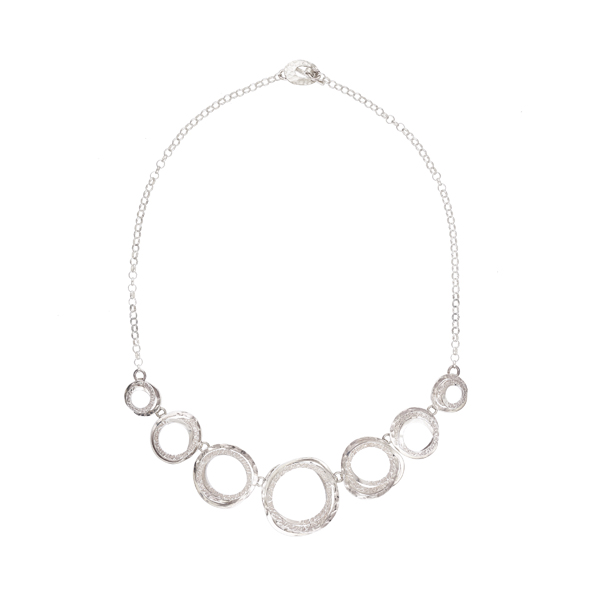 Wound circles silver necklace