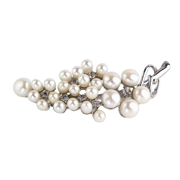 White pearl and diamante brooch