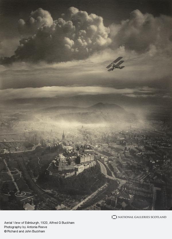 Alfred G. Buckham, Aerial view of Edinburgh (About 1920)