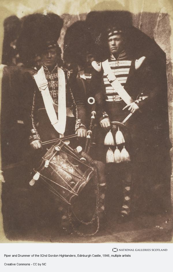 David Octavius Hill, Piper and Drummer of the 92nd Gordon Highlanders, Edinburgh Castle