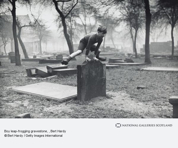Bert Hardy, Boy leap-frogging gravestone