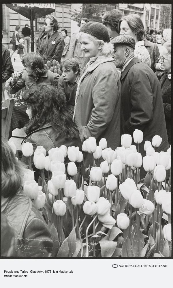 Iain Mackenzie, People and Tulips, Glasgow
