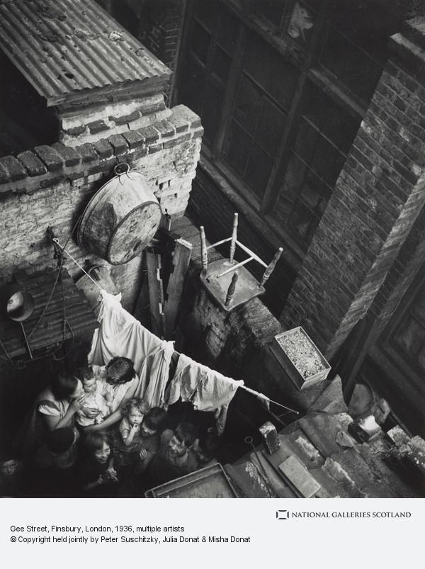 Edith Tudor-Hart, Gee Street, Finsbury, London