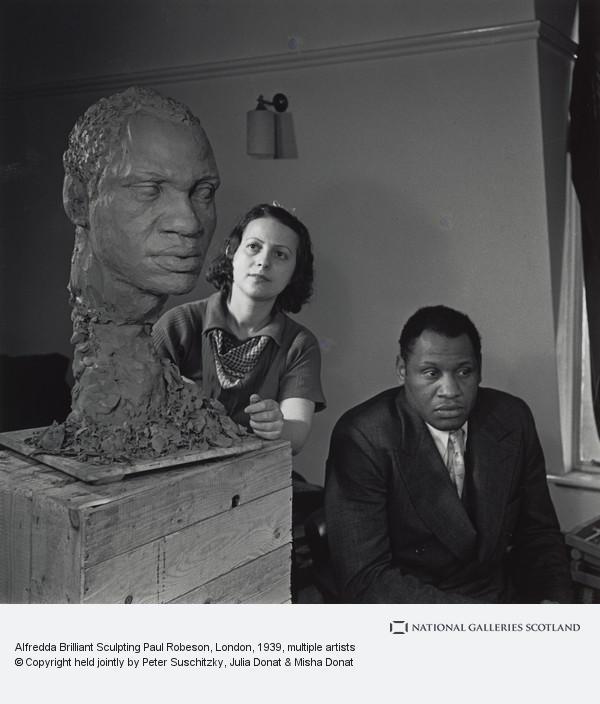 Edith Tudor-Hart, Alfredda Brilliant Sculpting Paul Robeson, London