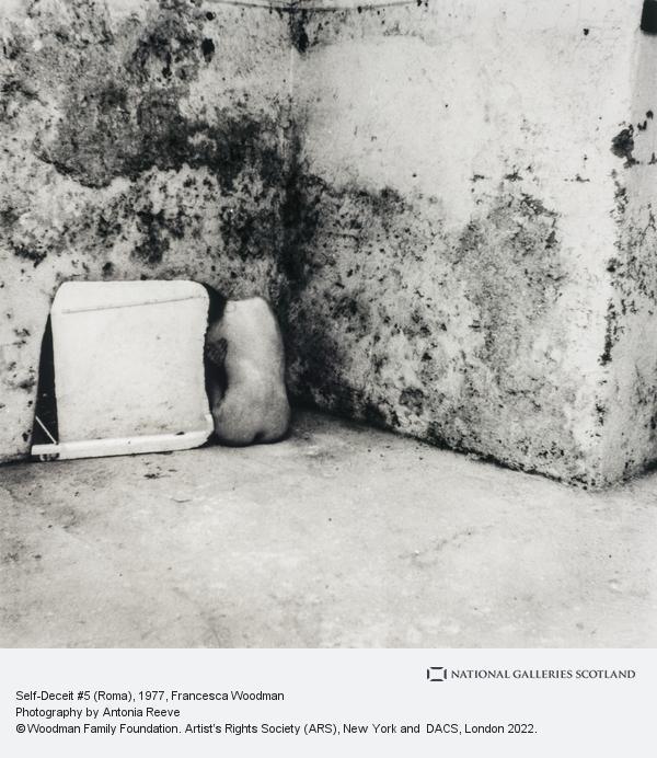 Francesca Woodman, Self-Deceit #5 (Roma)