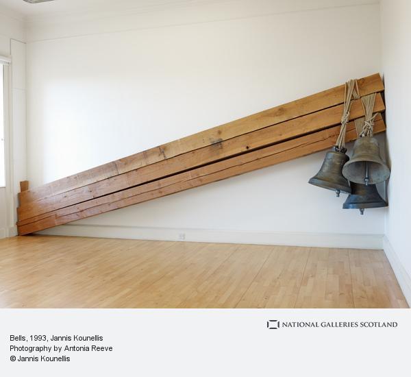 Jannis Kounellis, Bells