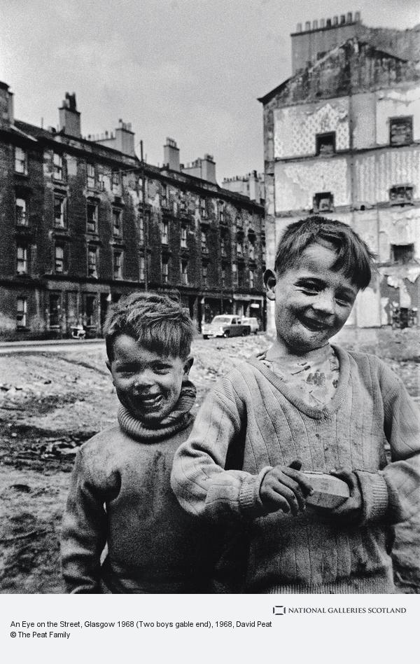 David Peat, An Eye on the Street, Glasgow 1968 (Two boys gable end)