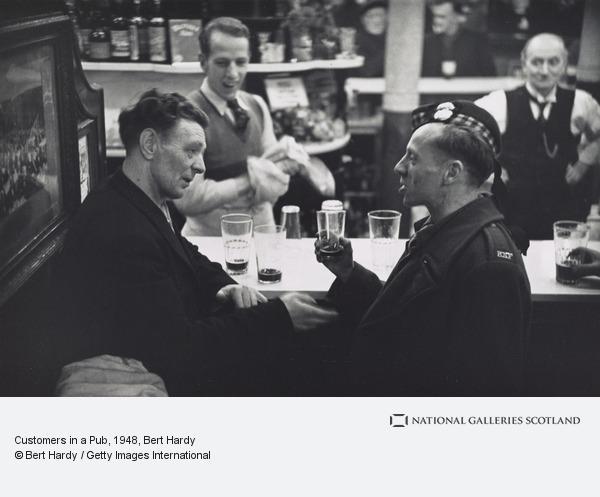 Bert Hardy, Customers in a Pub