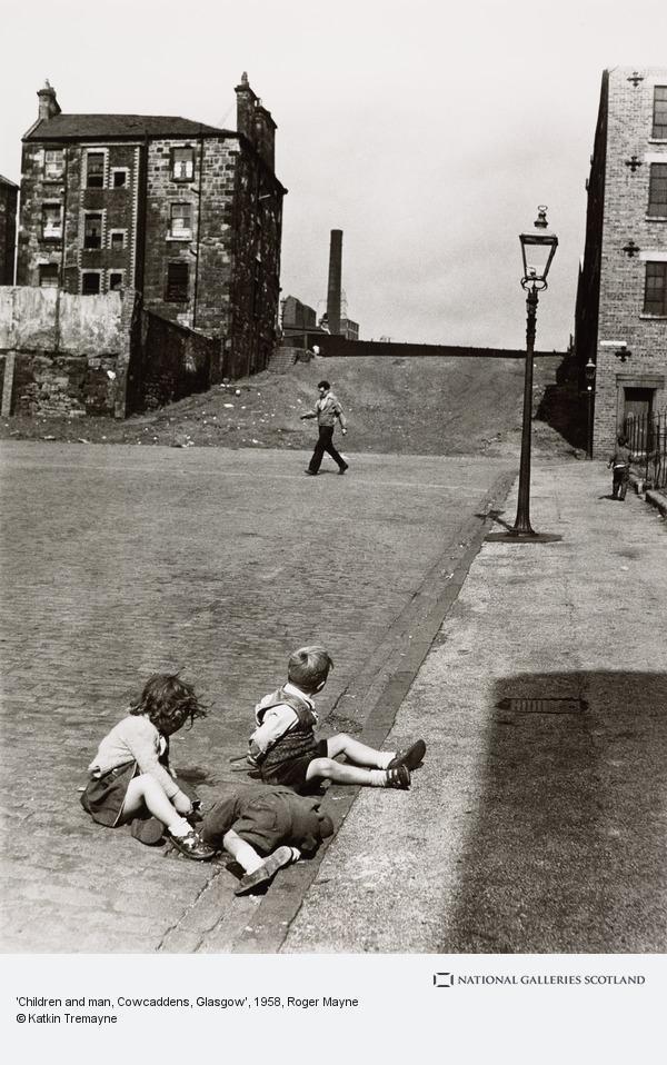 Roger Mayne, 'Children and man, Cowcaddens, Glasgow'