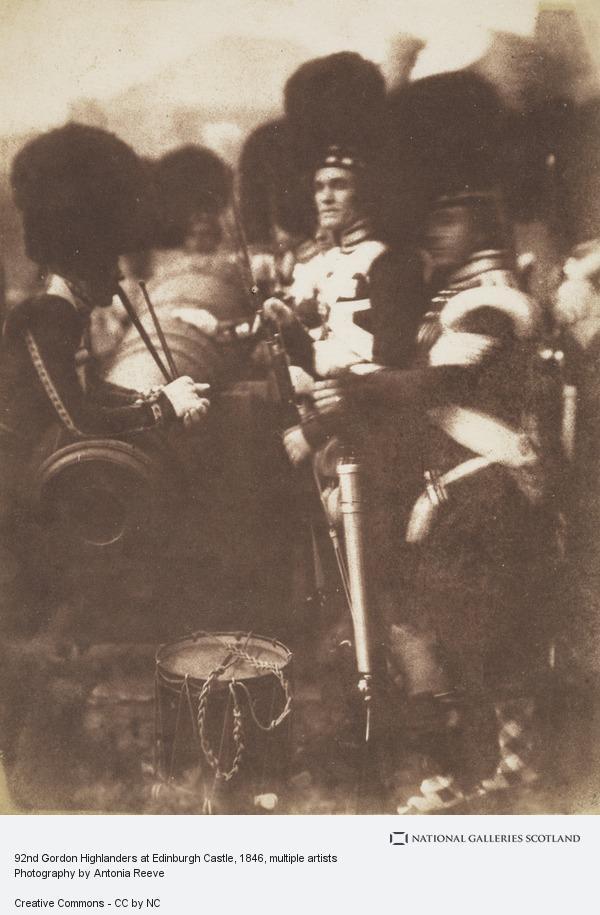 David Octavius Hill, 92nd Gordon Highlanders at Edinburgh Castle [Military 3] (1846)