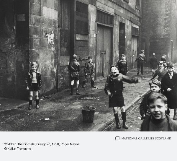 Roger Mayne, 'Children, the Gorbals, Glasgow' (14 February 1958 (printed 1989))