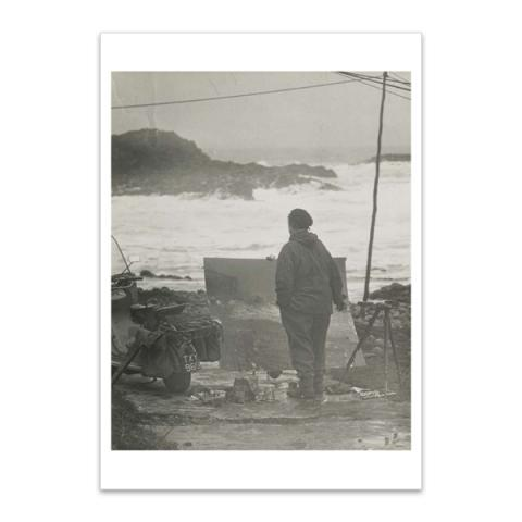 Joan Eardley painting the sea at Catterline by Audrey Walker A5 postcard