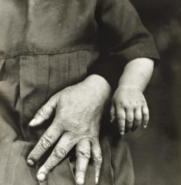 Studien - Der Mensch [Grandmother and Child, c.1910-14] (1910 - 1914)