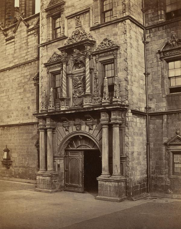 Doorway of Heriot's Hospital.