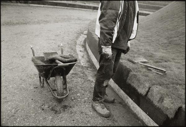 Work on the Jencks Landform construction, Scottish National Gallery of Modern Art, Edinburgh (2001)