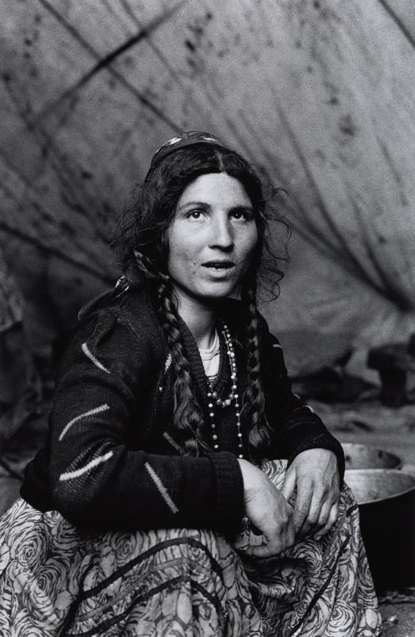 'Calderari gypsy woman, Sintesti, Romania' (1991)