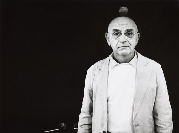 Duane Michaels. Photographer (1993)