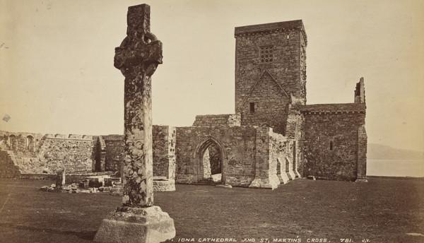 Iona Catherdral and St Martin's Cross