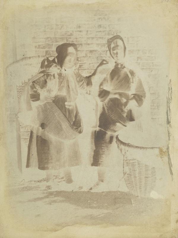 Two unknown women [Newhaven] (1843 - 1847)
