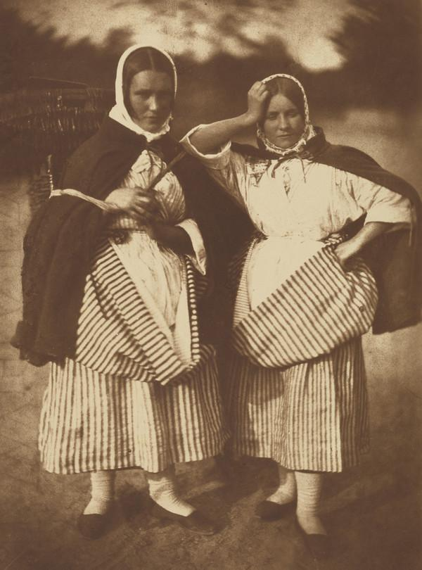 Two unknown women [Newhaven - not illustrated in Catalogue] (1843 - 1847)
