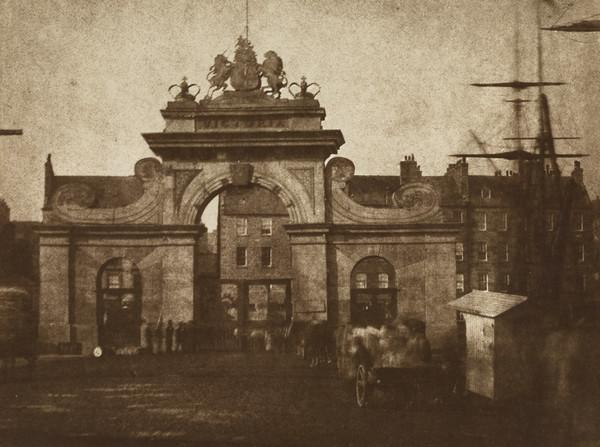 Leith. Archway entrance to Victoria Dock ? [Landscape] (1843 - 1847)