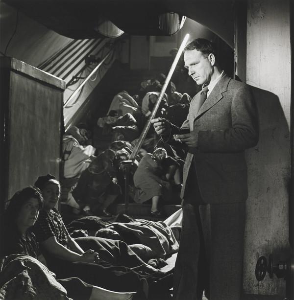Henry Moore, London 1943 (1943)