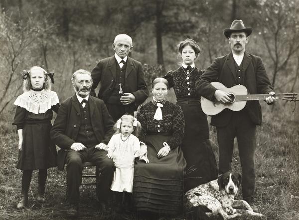 Farming Family, 1912 (1912)
