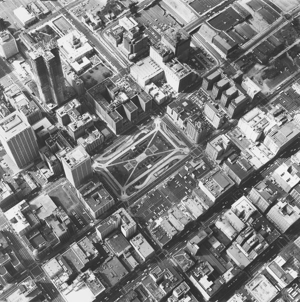 Pershing Square Underground Lot, 5th & Hill (1967 / 1999)