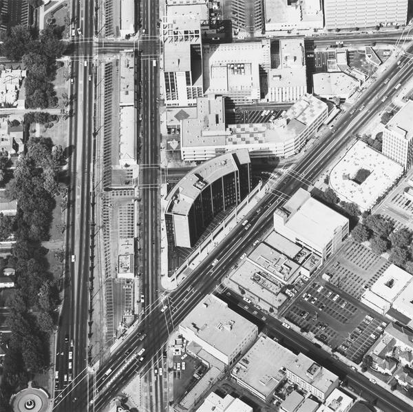 Intersections of Wilshire Blvd. and Santa Monica Blvds. (1967 / 1999)