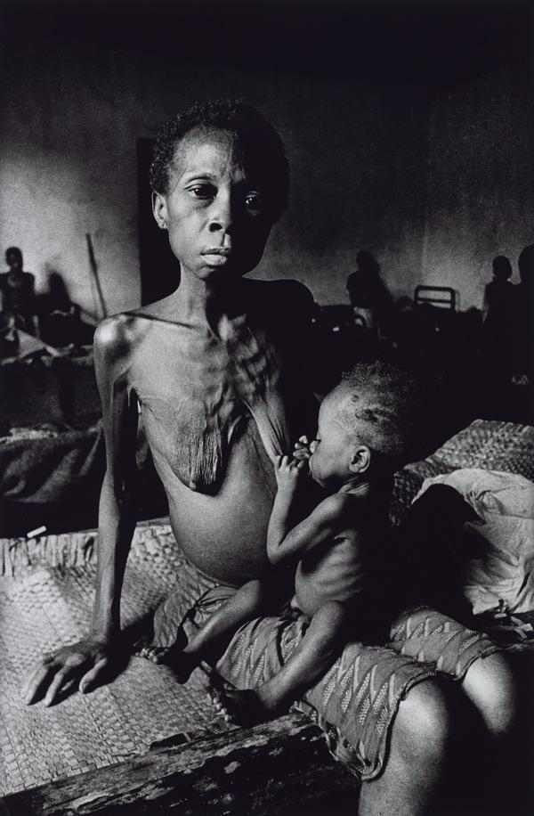 Starving Twenty Four Year Old Mother with Child, Biafra (1968 (printed 2013))