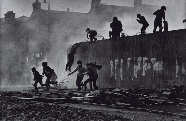 Gangs of Boys Escaping C.S. Gas Fired by British Soldiers, Londonderry, Northern Ireland (1971 (printed 2013))