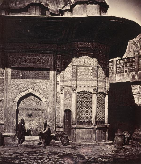 Figures at the Fountain of Sultan Ahmet III, Istanbul 1850s (1850s)