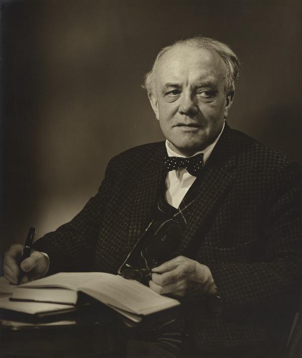 Moray McLaren. Author