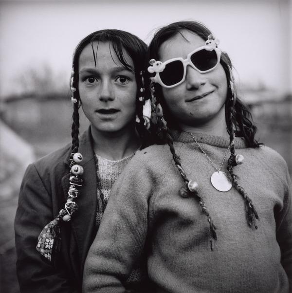 Calderari Gypsy Girls, Sintesti, Romania (1993)