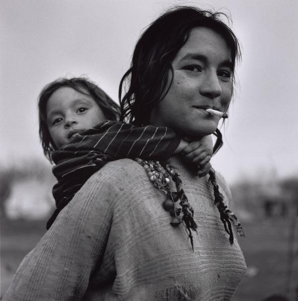 Calderari Gypsy Woman and Child, Sintesti, Romania (1993)