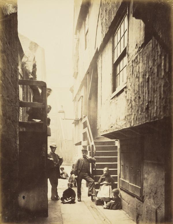 Close, No. 28 Saltmarket (1868 - 1871)