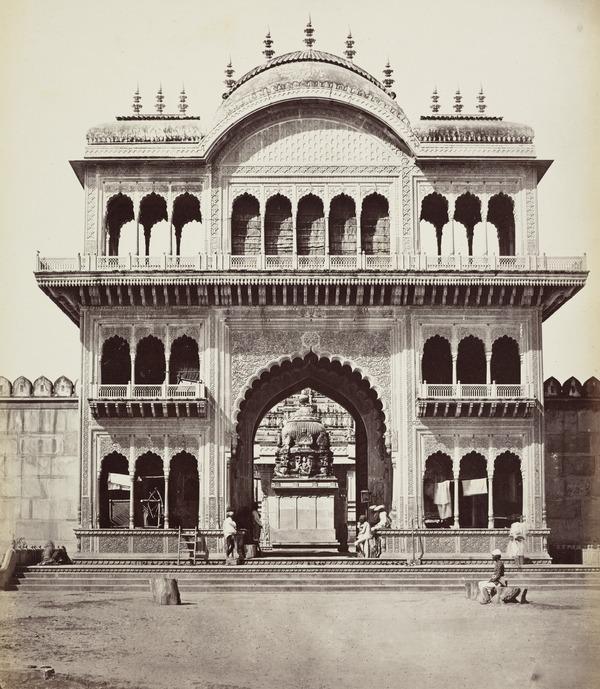 'Bindrabun. Gate of Shet Lukhmeechbund's Temple' (1858 - 1865)