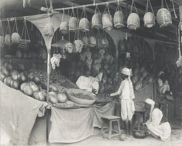 Fruit Market, Quetta Bazaar, Baluchistan (About 1900)