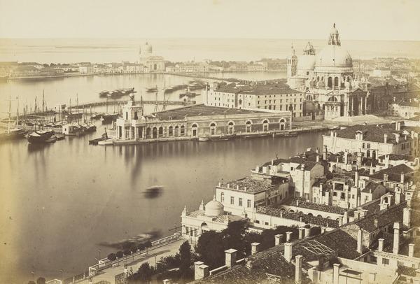 Panorama dal Campanile di San Marco verso Santa Maria della Salute, Venice