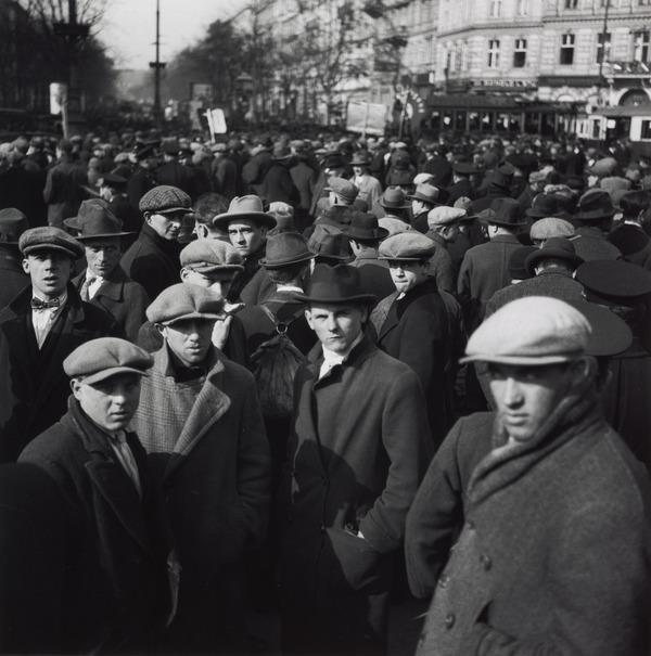 Untitled [Unemployed workers' demonstration, Vienna] (1933 (negative))