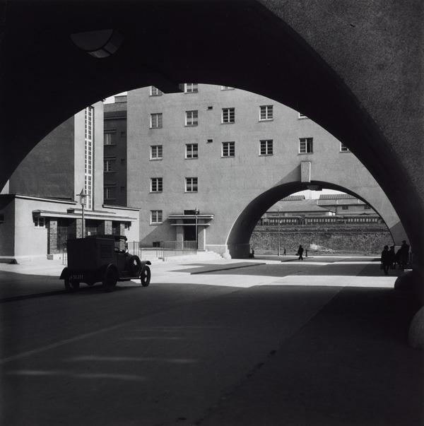 Untitled [Karl Marx Hof, Vienna] (About 1930 (negative))