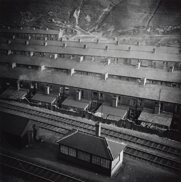 Untitled [Terraces, South Wales] (About 1935 (negative))